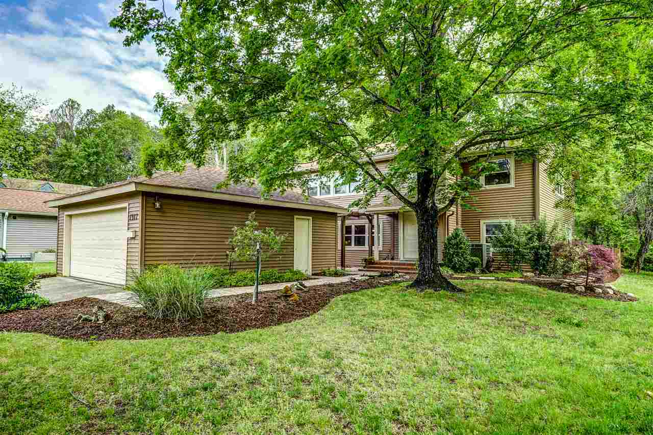 $374,900 - 4Br/3Ba -  for Sale in Four Seasons (albemarle), Charlottesville