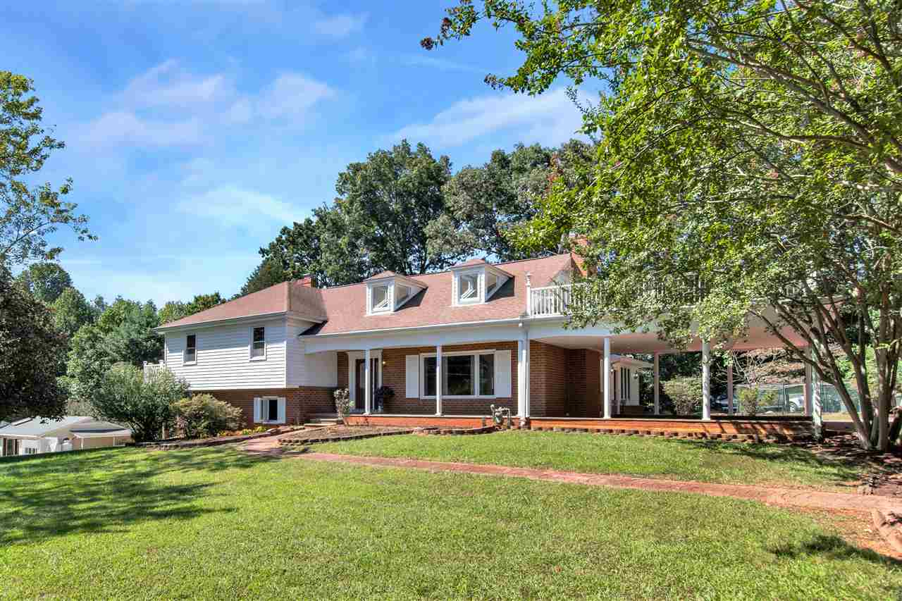 $649,900 - 5Br/3Ba -  for Sale in Northfields, Charlottesville