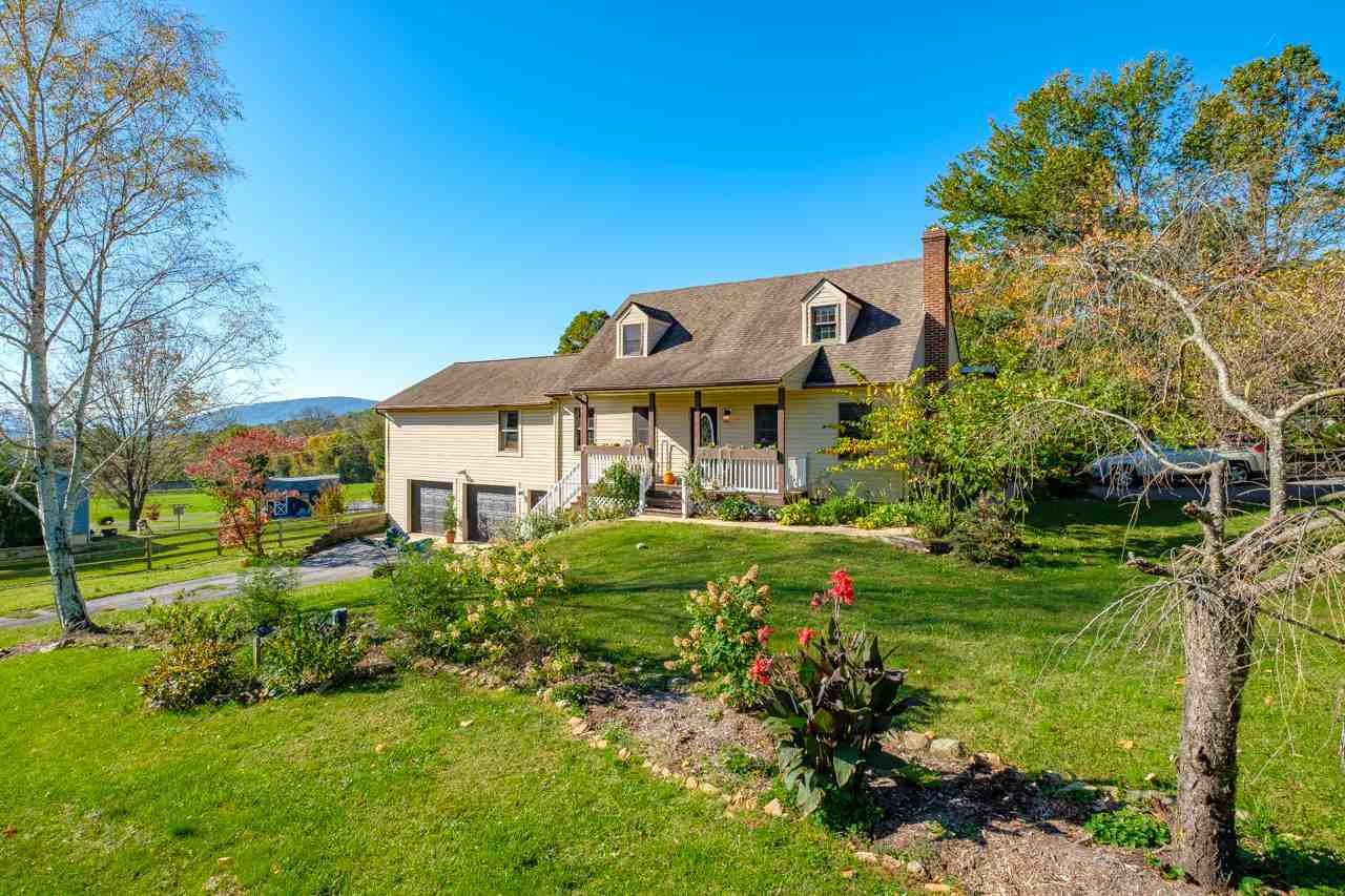 $359,000 - 4Br/3Ba -  for Sale in None, Afton