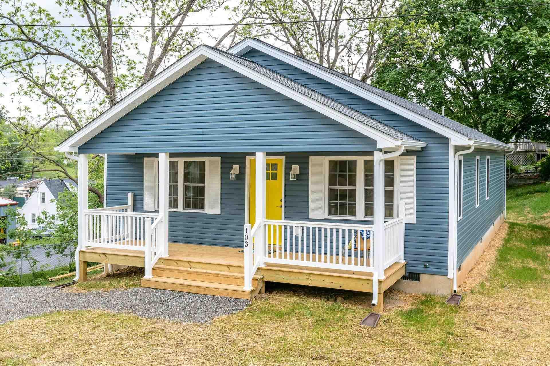 $258,000 - 3Br/3Ba -  for Sale in Bcmm & Lc, Waynesboro