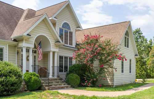 $425,000 - 3Br/3Ba -  for Sale in Stoney Creek, Nellysford