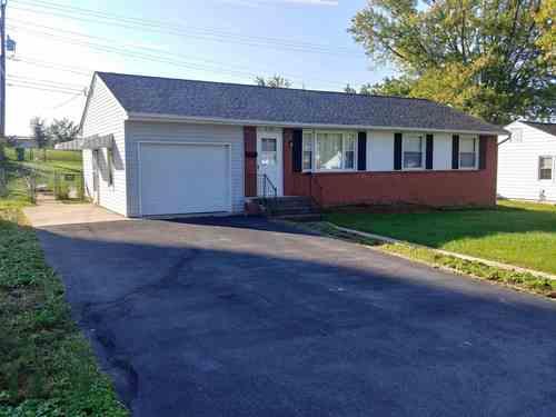 $219,900 - 3Br/2Ba -  for Sale in Hilandale, Waynesboro