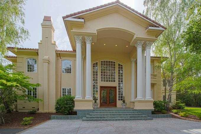 $15,800,000 - 6Br/8Ba -  for Sale in Atherton