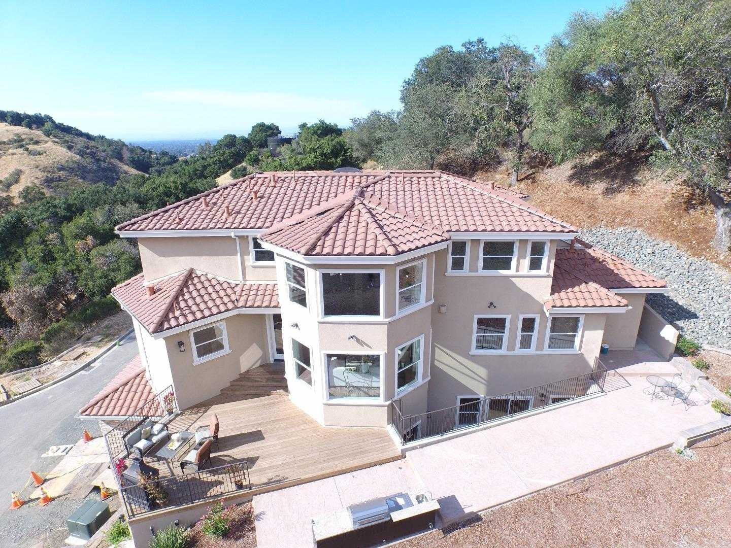 $3,300,000 - 4Br/6Ba -  for Sale in Cupertino