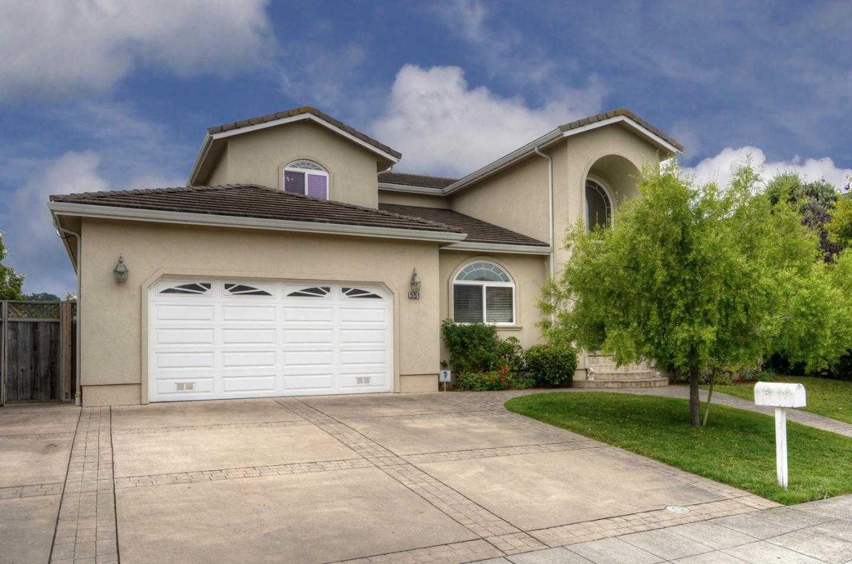 551 Highland Ave Half Moon Bay, CA 94019