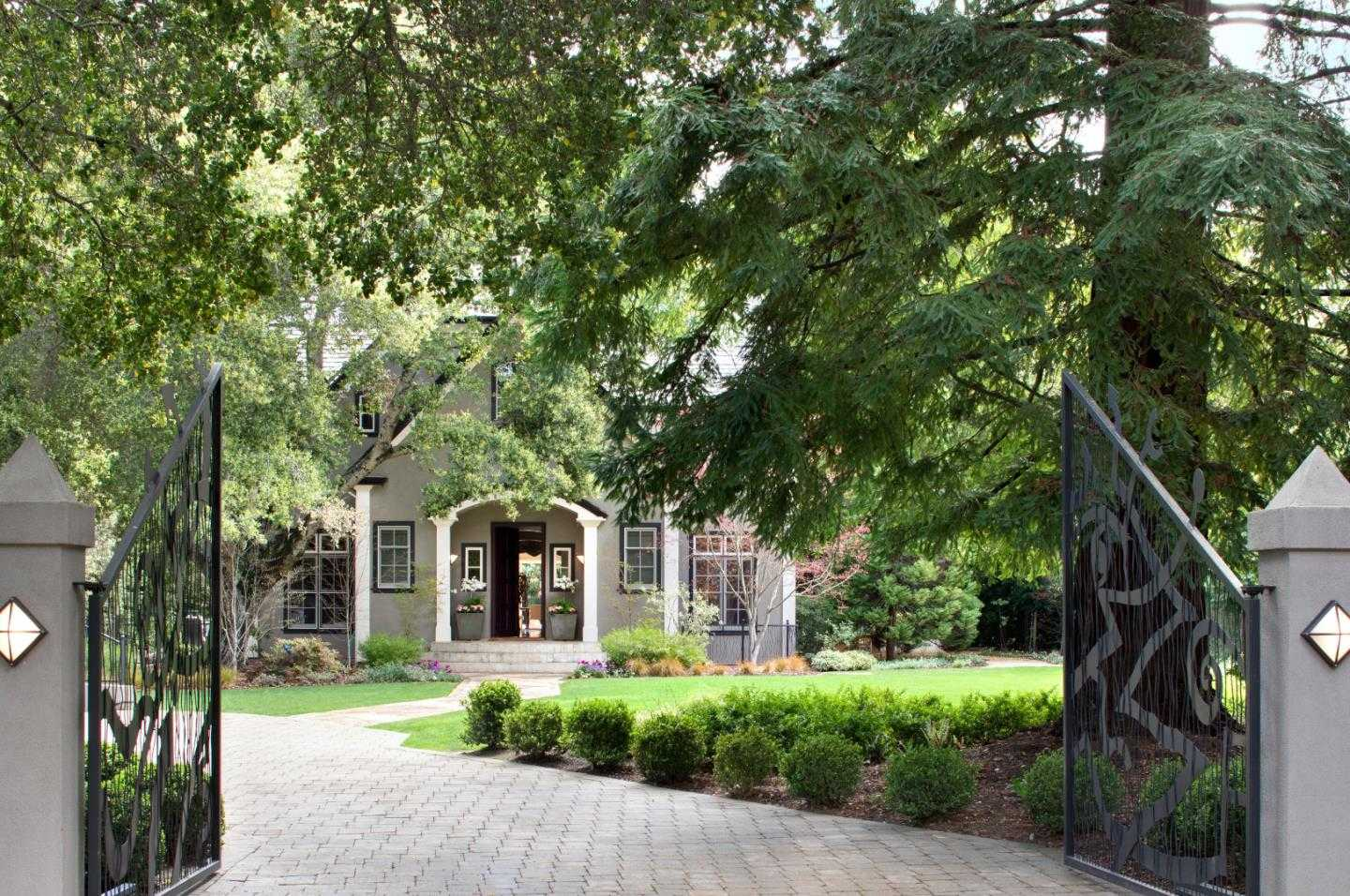 $10,998,000 - 5Br/8Ba -  for Sale in Atherton