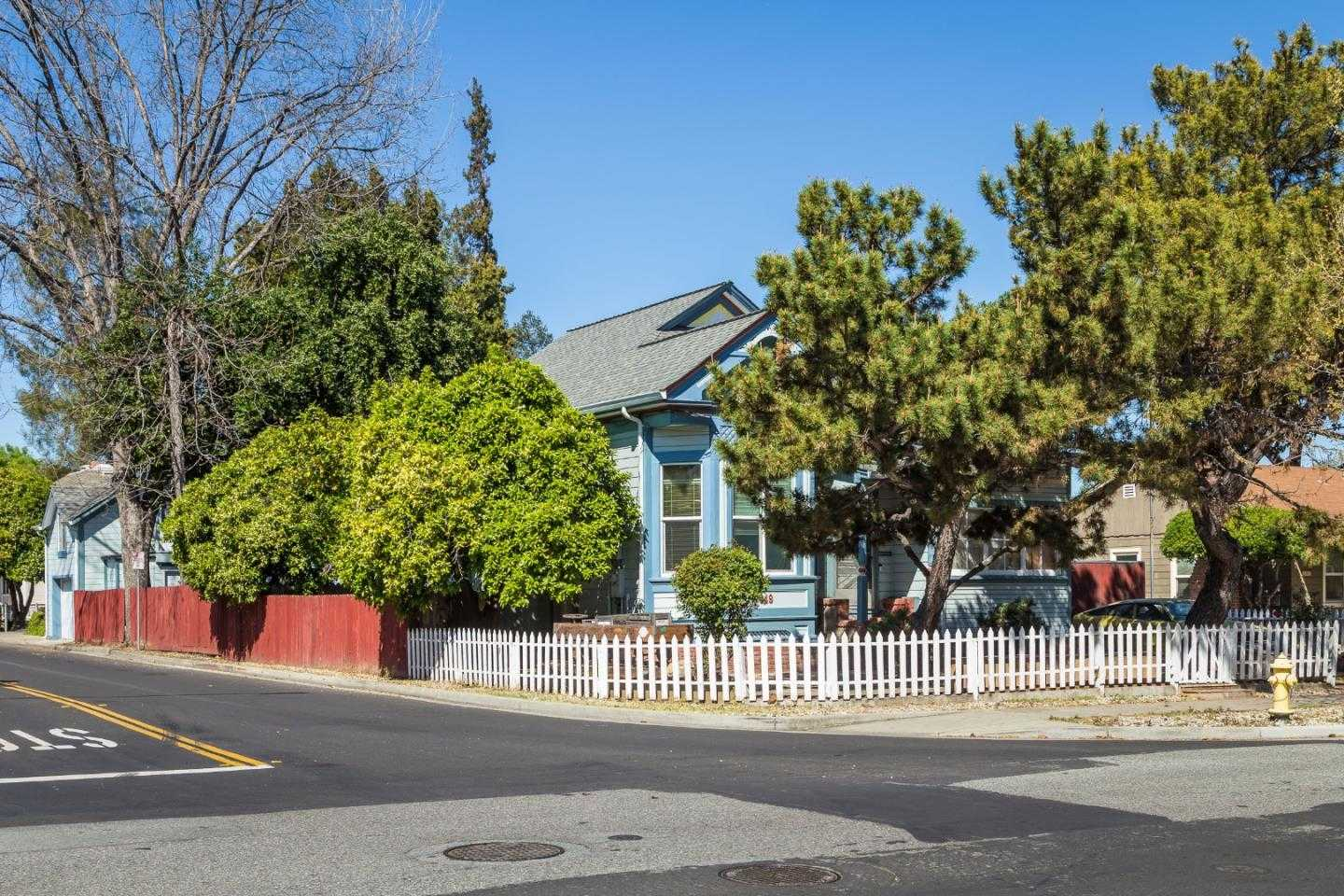 $1,249,000 - 3Br/2Ba -  for Sale in Campbell