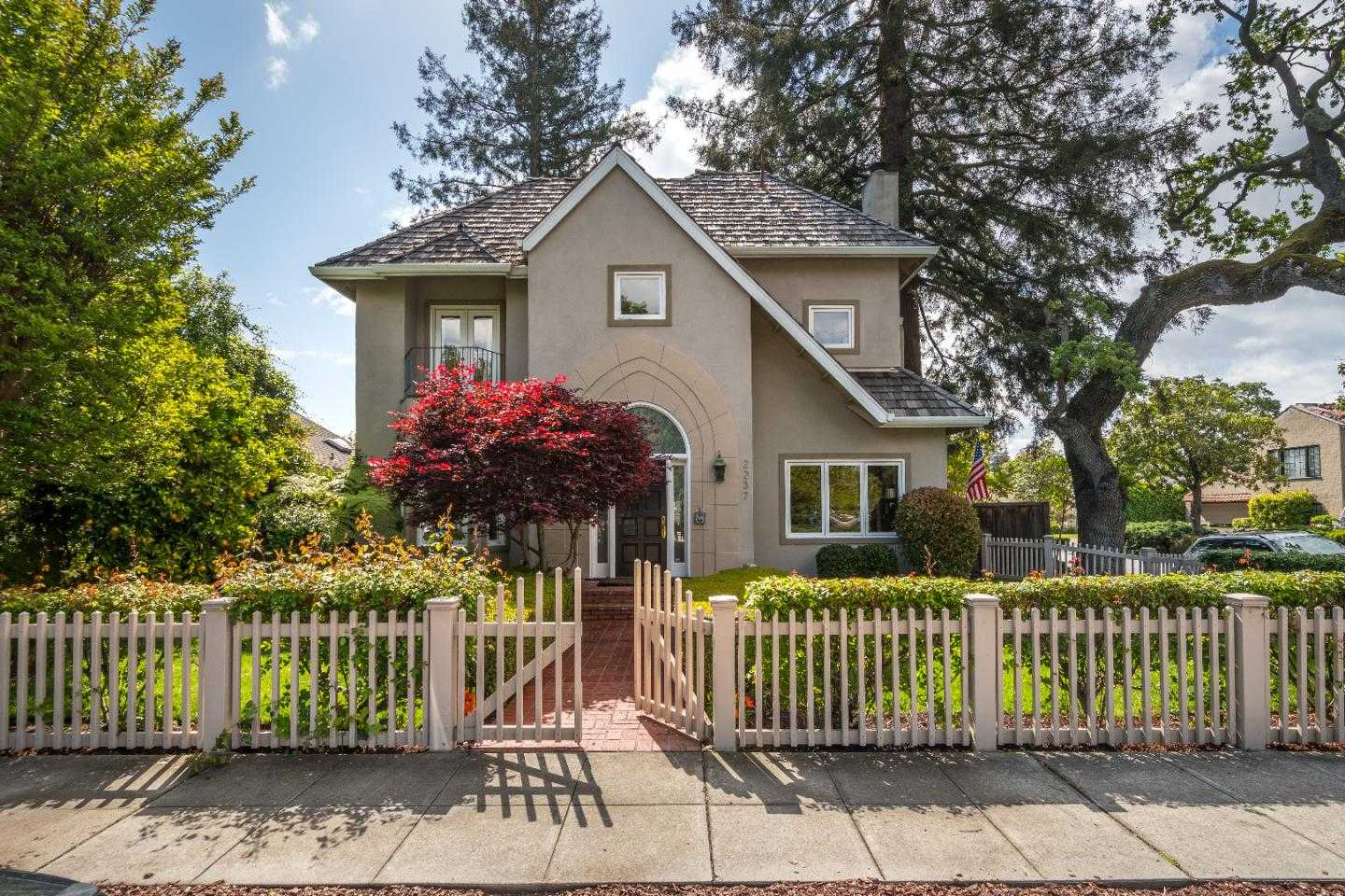 $2,395,000 - 5Br/6Ba -  for Sale in Redwood City