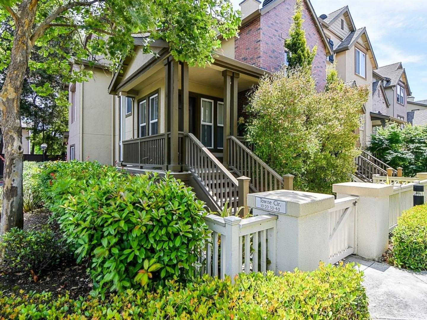 $1,380,000 - 4Br/3Ba -  for Sale in Mountain View