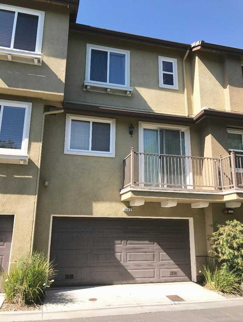 $1,058,000 - 2Br/3Ba -  for Sale in San Jose