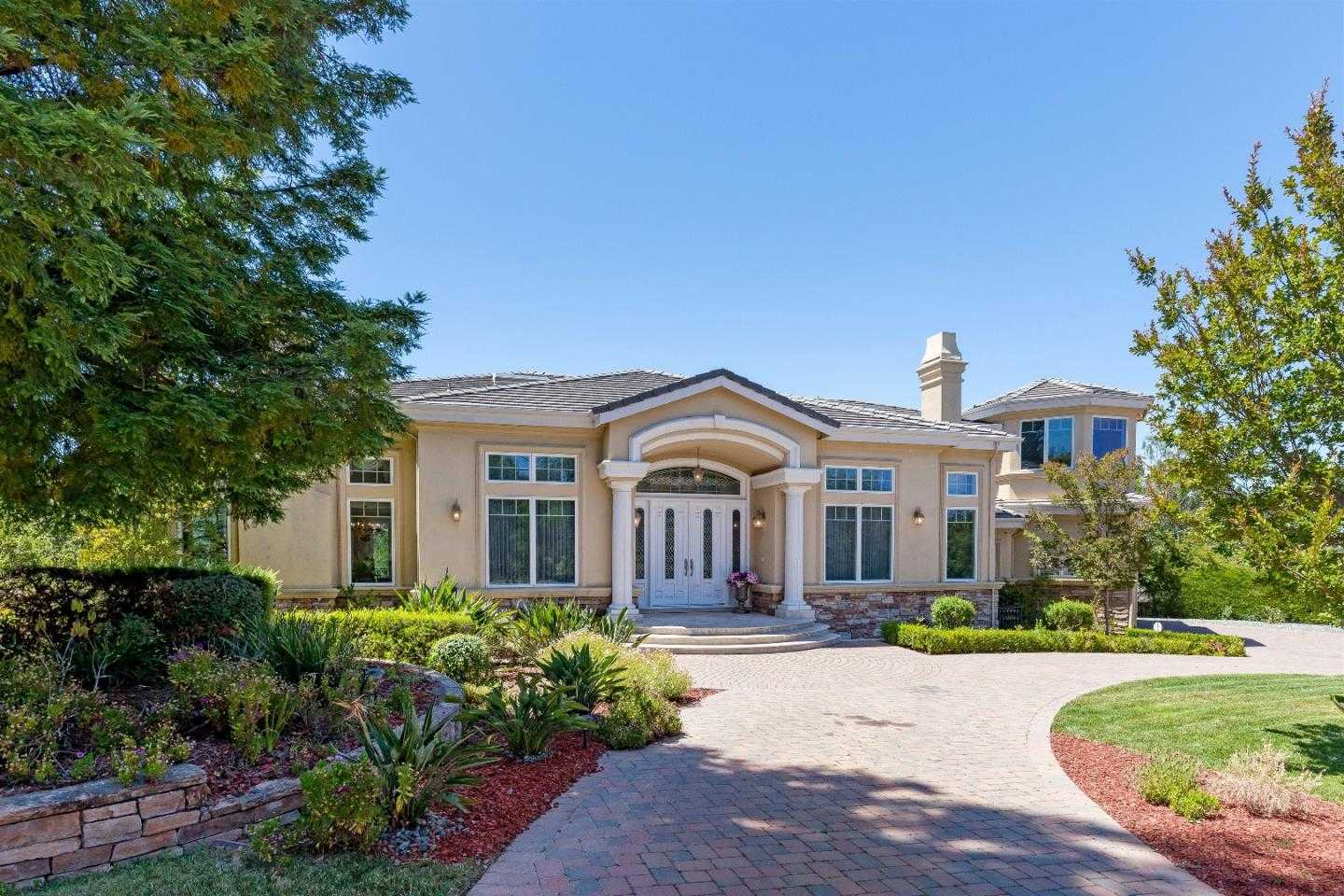 $5,899,000 - 6Br/7Ba -  for Sale in Saratoga