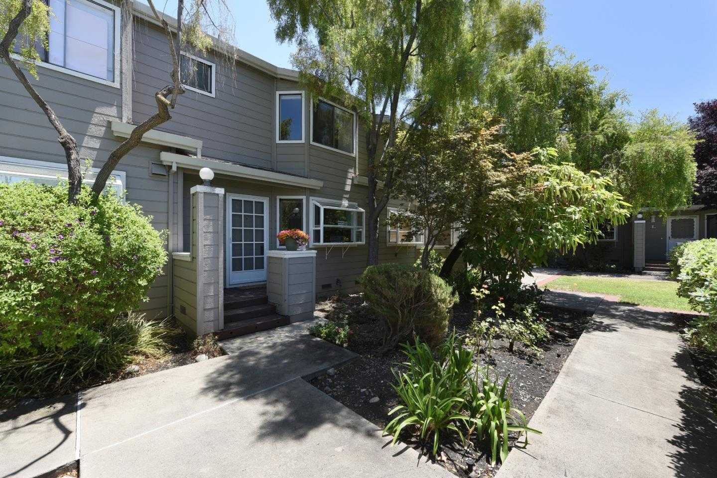 $929,000 - 2Br/3Ba -  for Sale in Mountain View