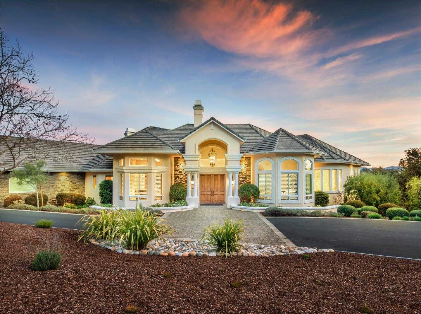 $2,099,000 - 5Br/5Ba -  for Sale in Monterey