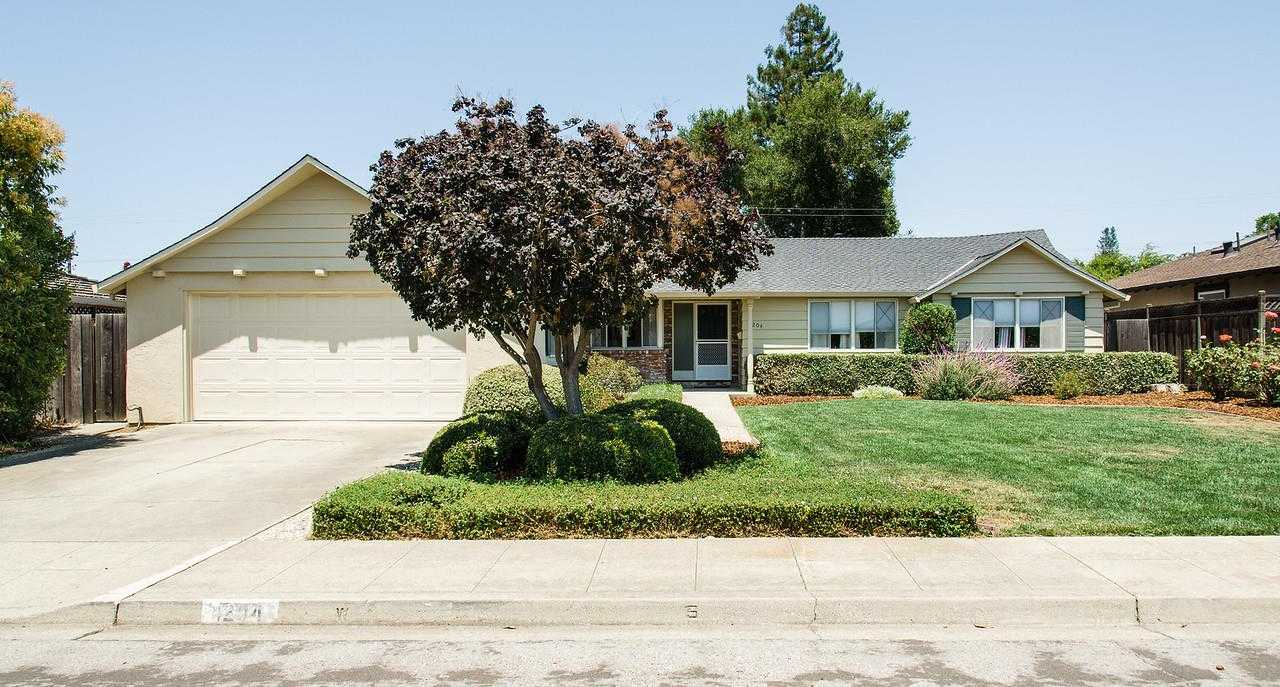 $1,898,000 - 4Br/2Ba -  for Sale in Mountain View