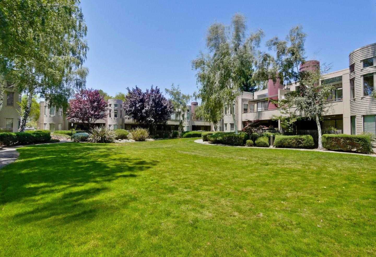 $1,198,000 - 3Br/2Ba -  for Sale in Mountain View