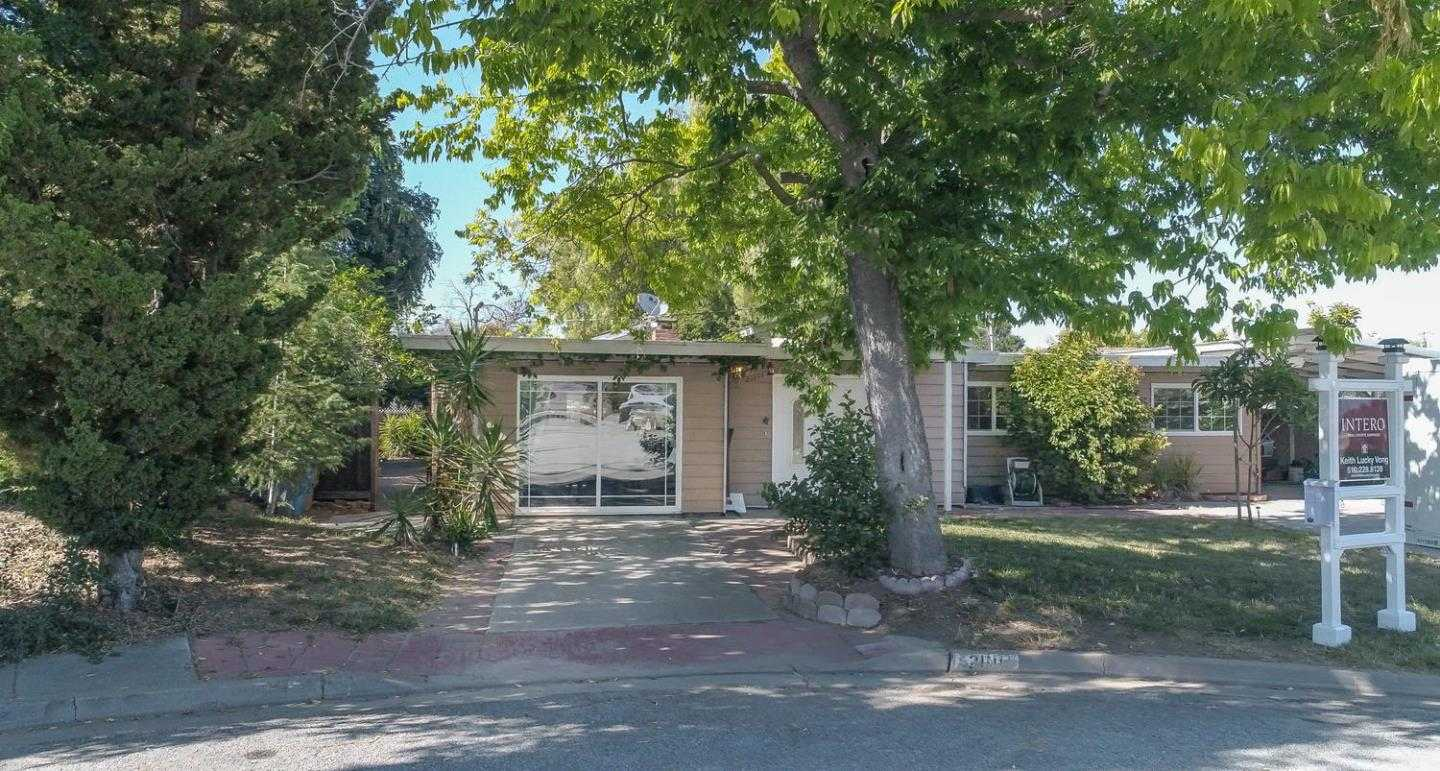 $1,999,999 - 4Br/3Ba -  for Sale in Cupertino