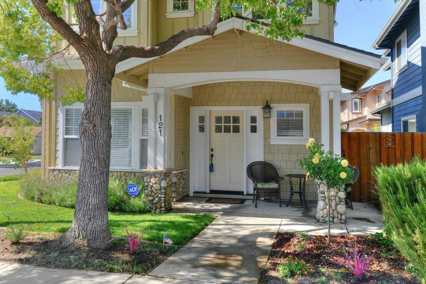 $1,195,000 - 3Br/3Ba -  for Sale in Campbell