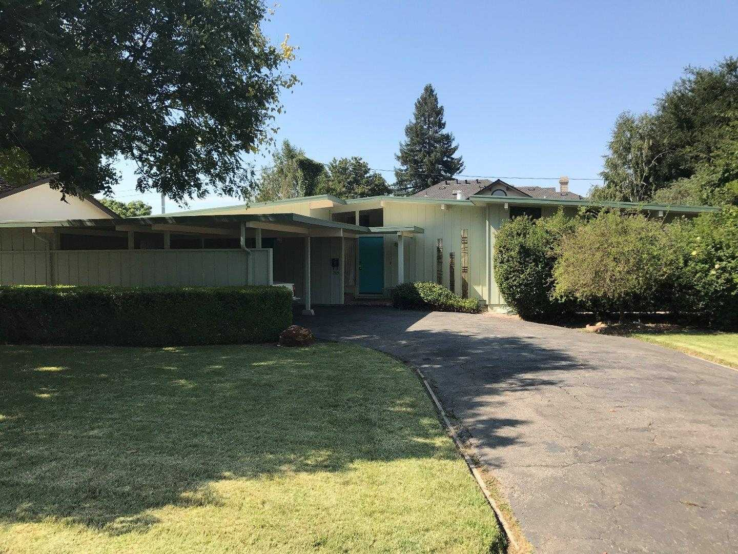 $1,375,000 - 3Br/2Ba -  for Sale in Campbell