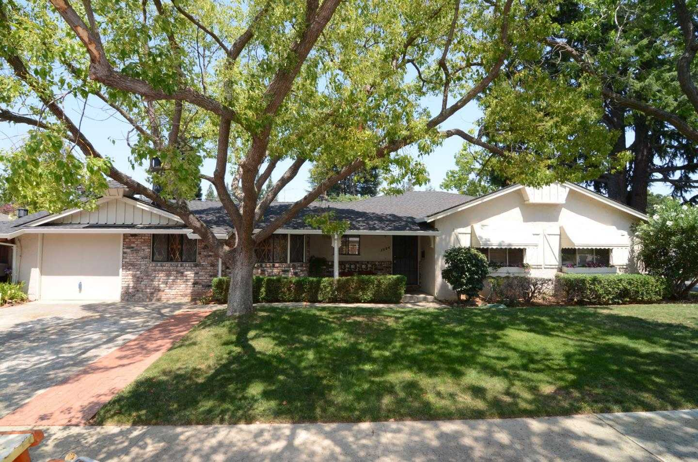 $2,200,000 - 3Br/2Ba -  for Sale in Mountain View