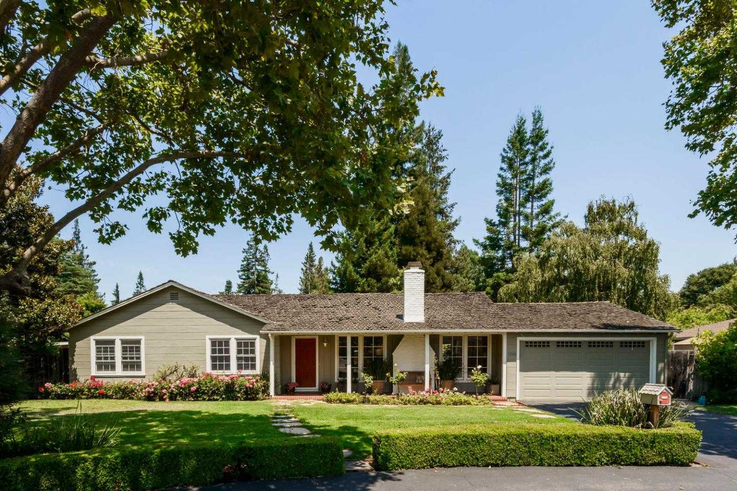 $3,895,000 - 4Br/3Ba -  for Sale in Menlo Park