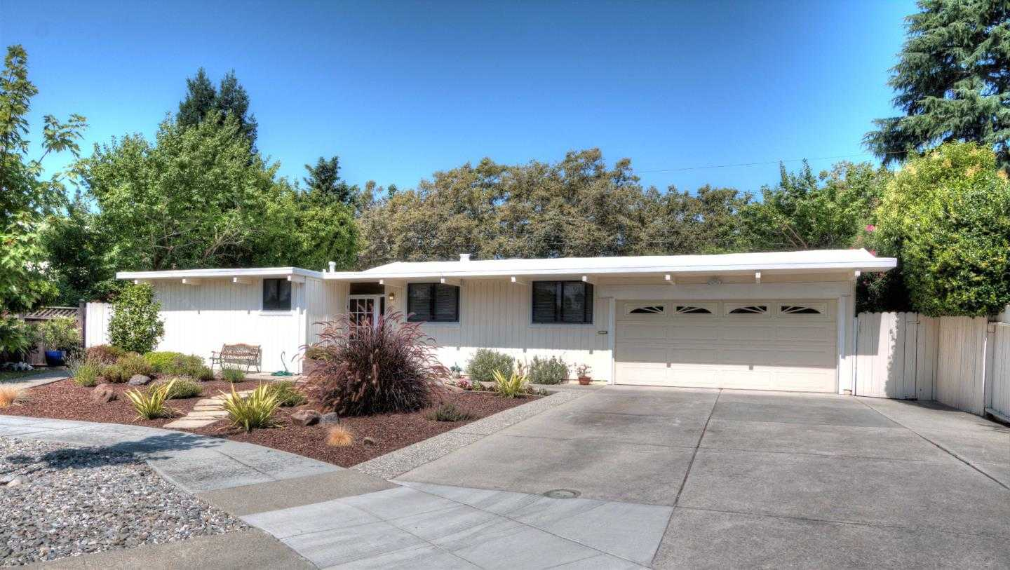 $1,100,000 - 3Br/2Ba -  for Sale in Redwood City