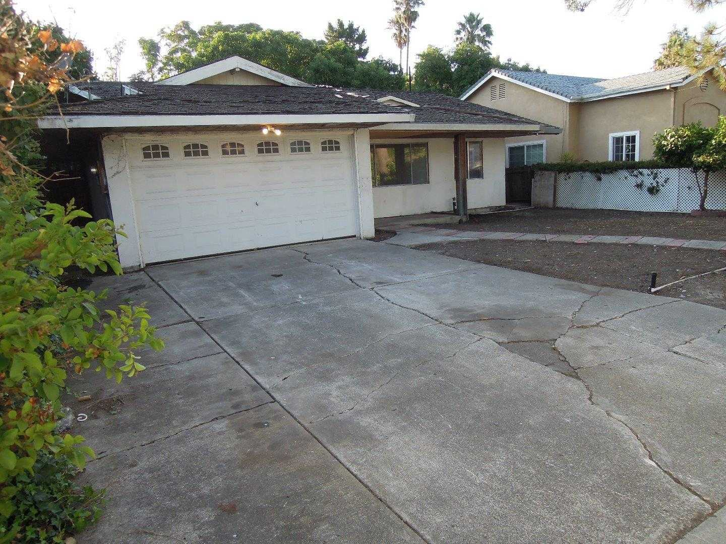 $1,200,000 - 3Br/2Ba -  for Sale in Mountain View