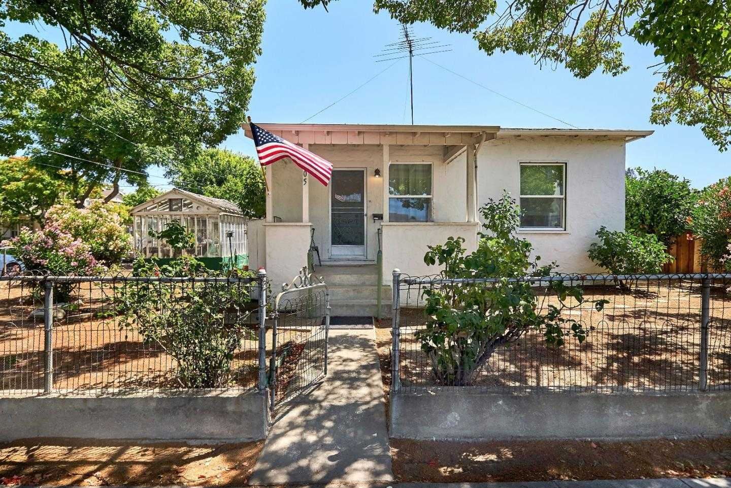 $1,488,000 - 4Br/1Ba -  for Sale in Mountain View