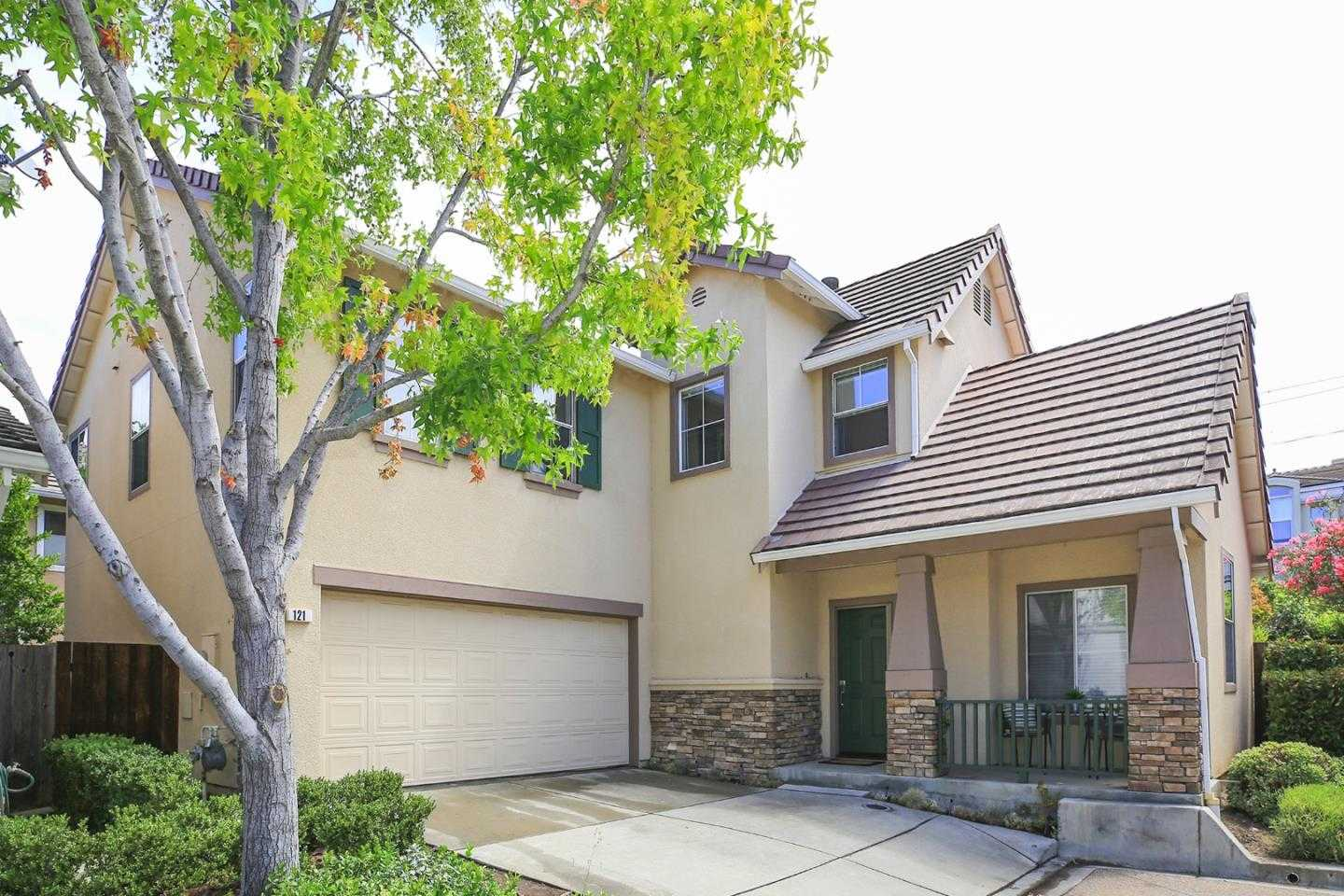 $1,699,000 - 4Br/3Ba -  for Sale in Mountain View