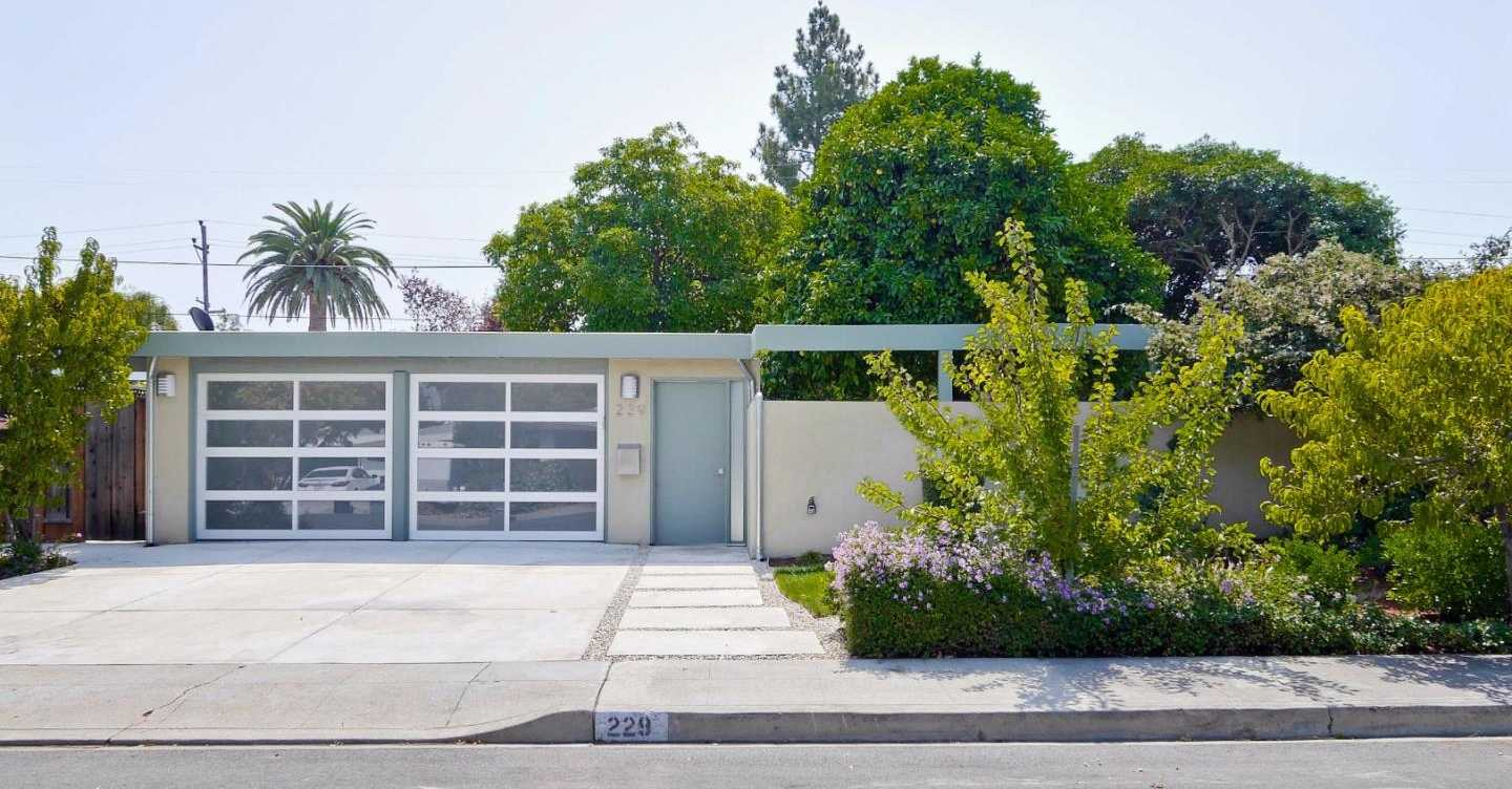 $1,495,000 - 3Br/2Ba -  for Sale in Mountain View
