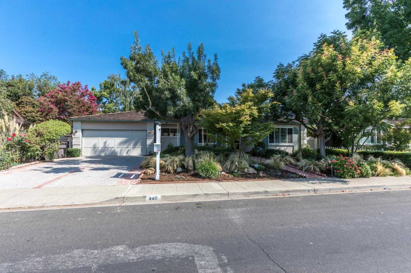 $2,495,000 - 4Br/3Ba -  for Sale in Mountain View