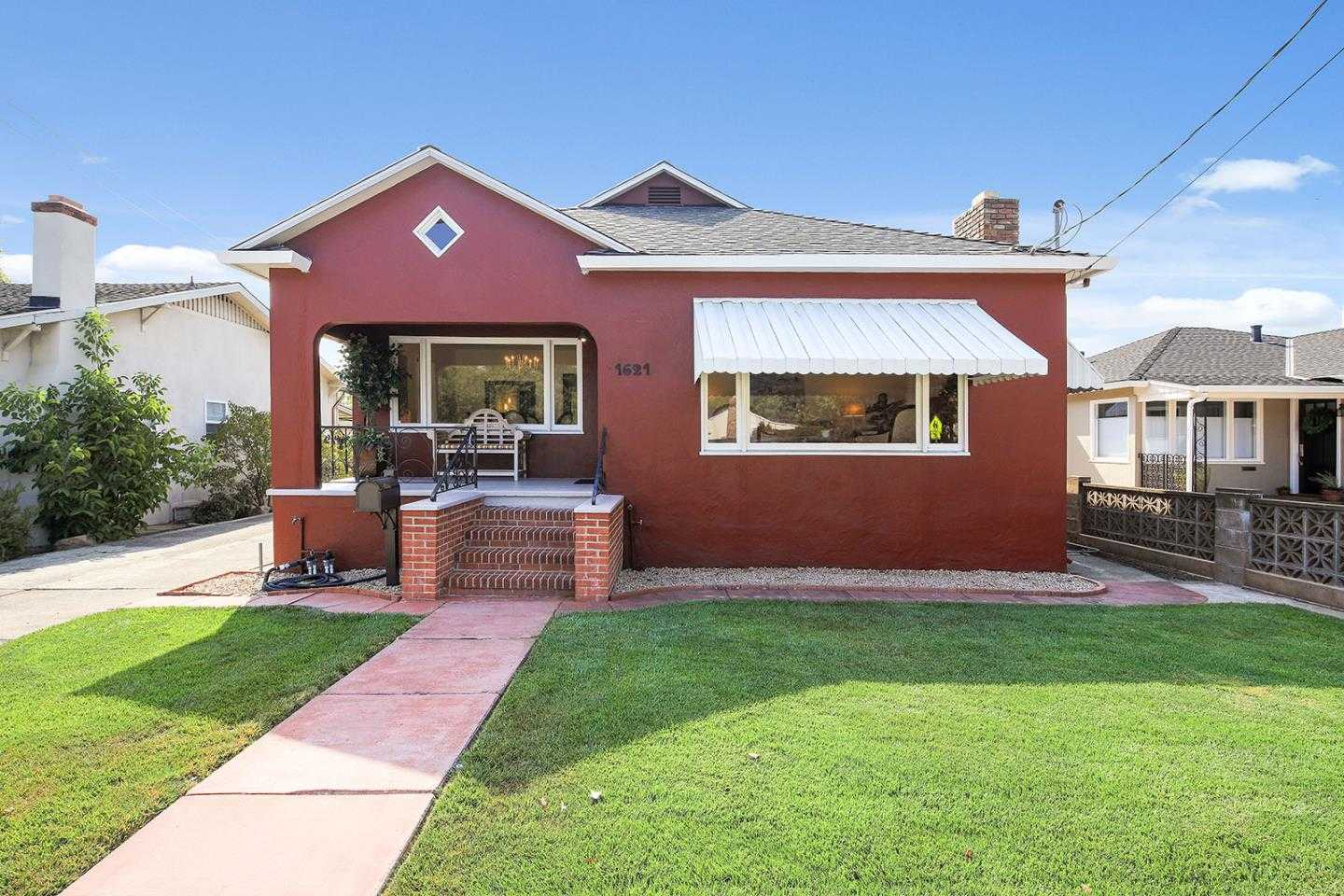 $1,099,000 - 3Br/2Ba -  for Sale in Redwood City