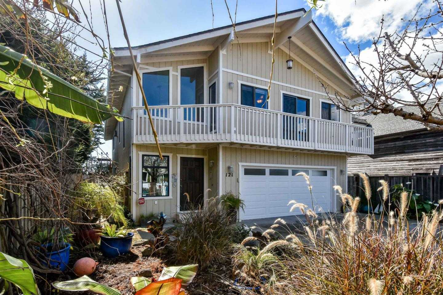 $1,495,000 - 4Br/3Ba -  for Sale in Santa Cruz