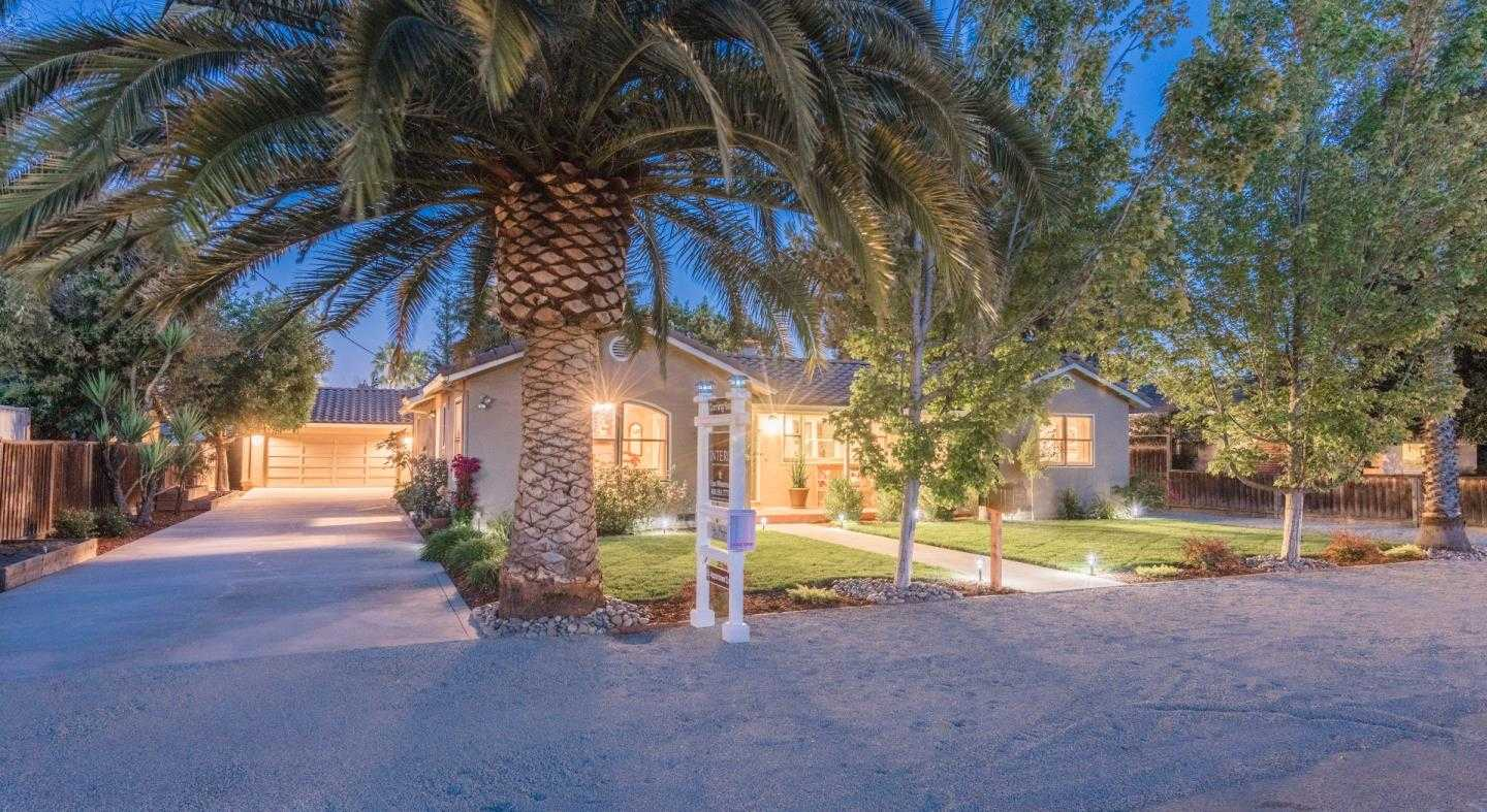 $1,998,000 - 4Br/3Ba -  for Sale in Campbell