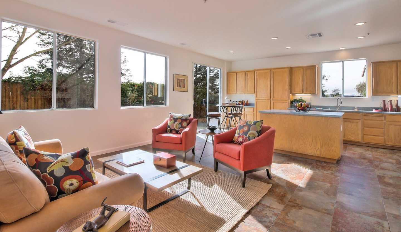 9 Monterey Vista Ct Watsonville, CA 95076