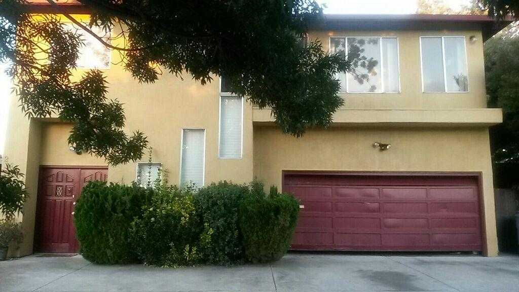 $999,998 - 6Br/3Ba -  for Sale in East Palo Alto