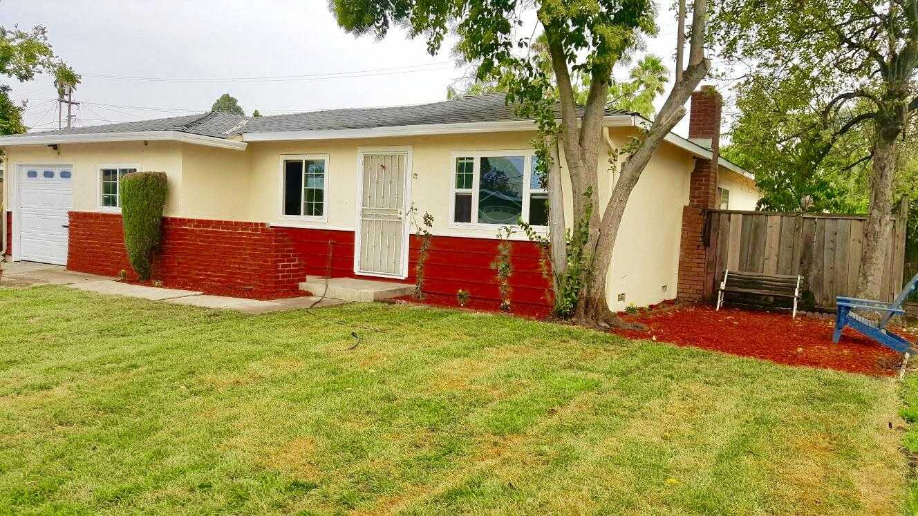 $999,000 - 3Br/2Ba -  for Sale in Campbell