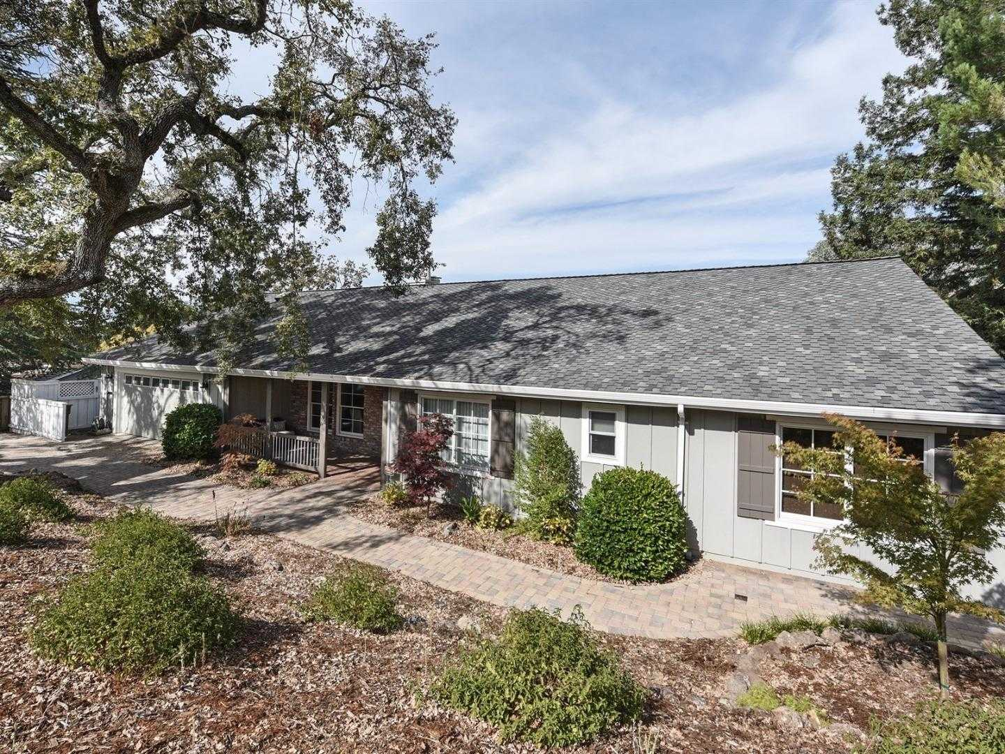 $3,998,000 - 3Br/3Ba -  for Sale in Menlo Park