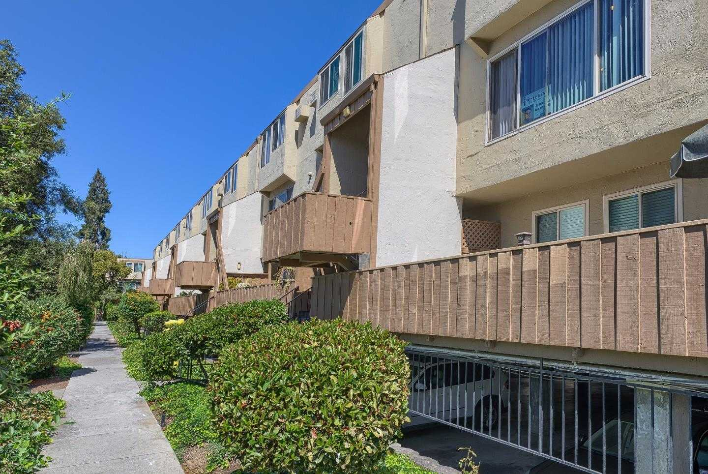 $588,000 - 2Br/2Ba -  for Sale in San Jose