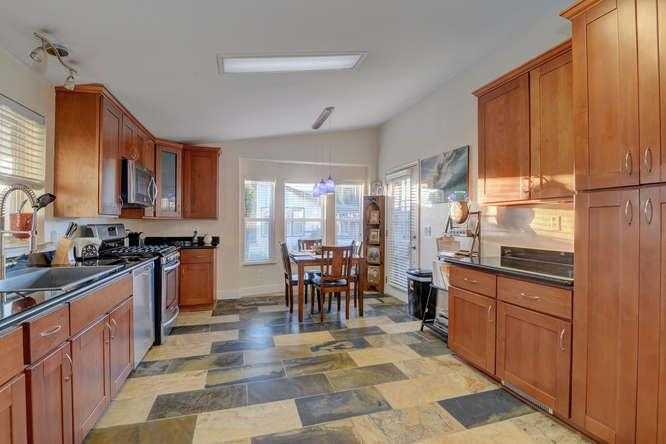 $274,000 - 3Br/2Ba -  for Sale in Sunnyvale