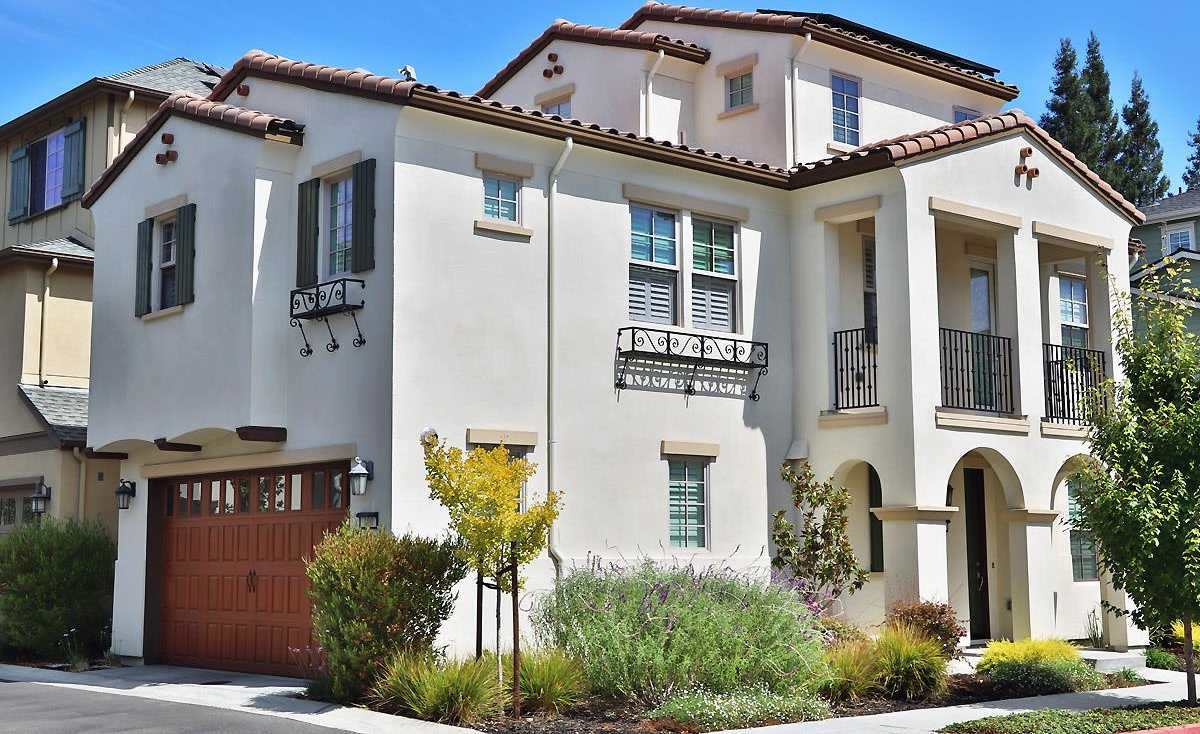 $1,788,000 - 4Br/4Ba -  for Sale in Mountain View