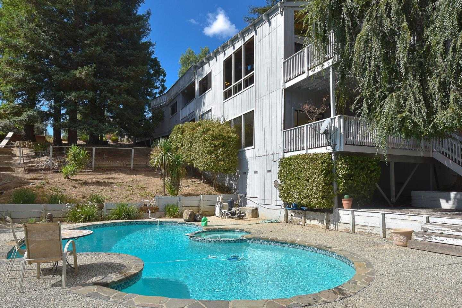 16940 Oakridge Ln Morgan Hill, CA 95037