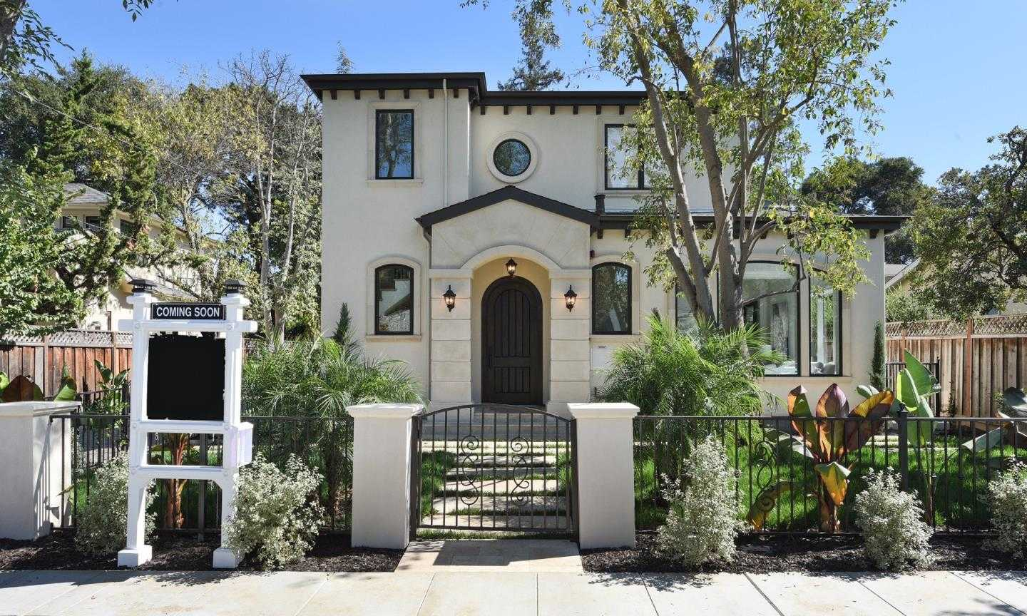 $3,745,000 - 4Br/5Ba -  for Sale in Menlo Park