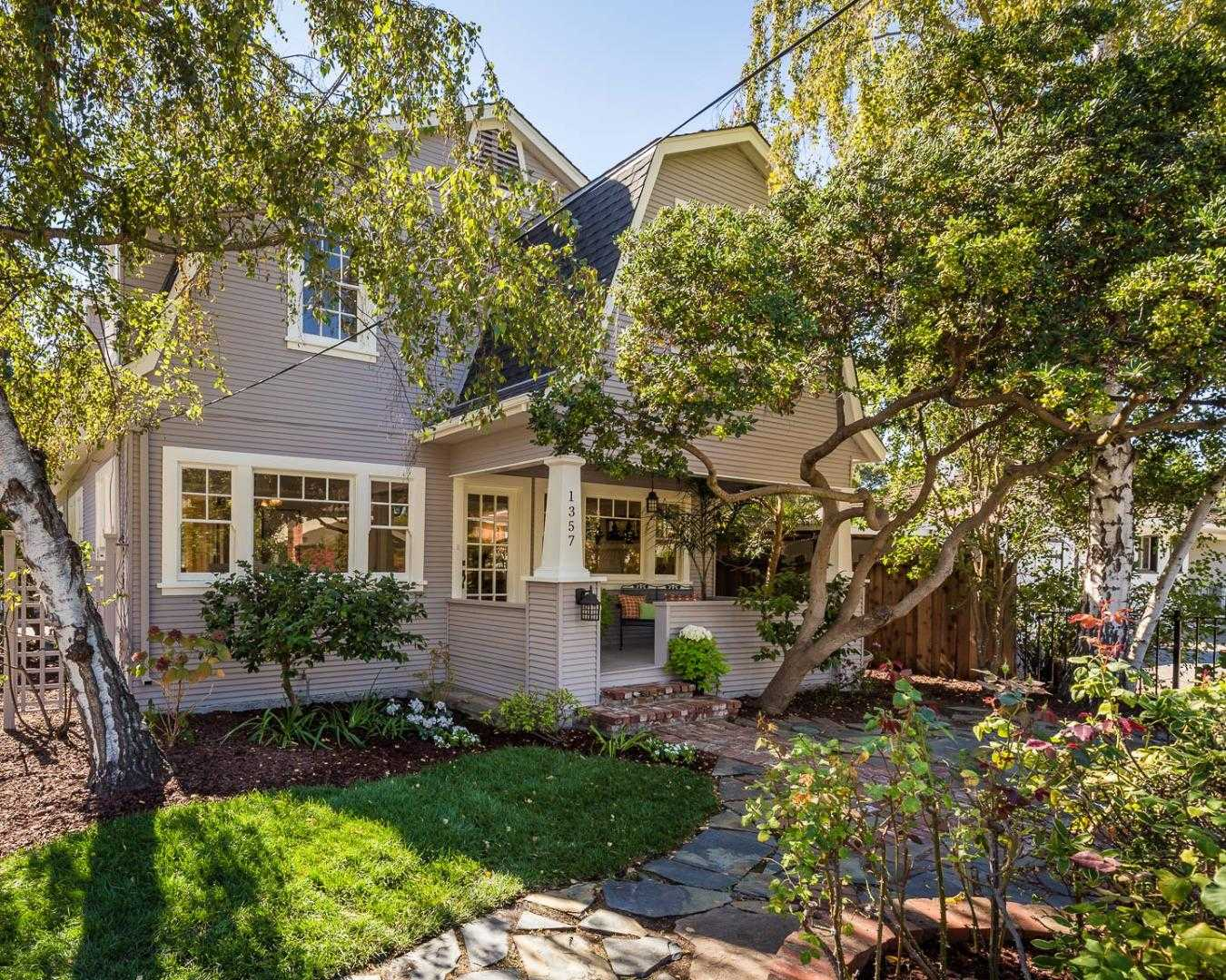 $2,575,000 - 4Br/3Ba -  for Sale in Menlo Park