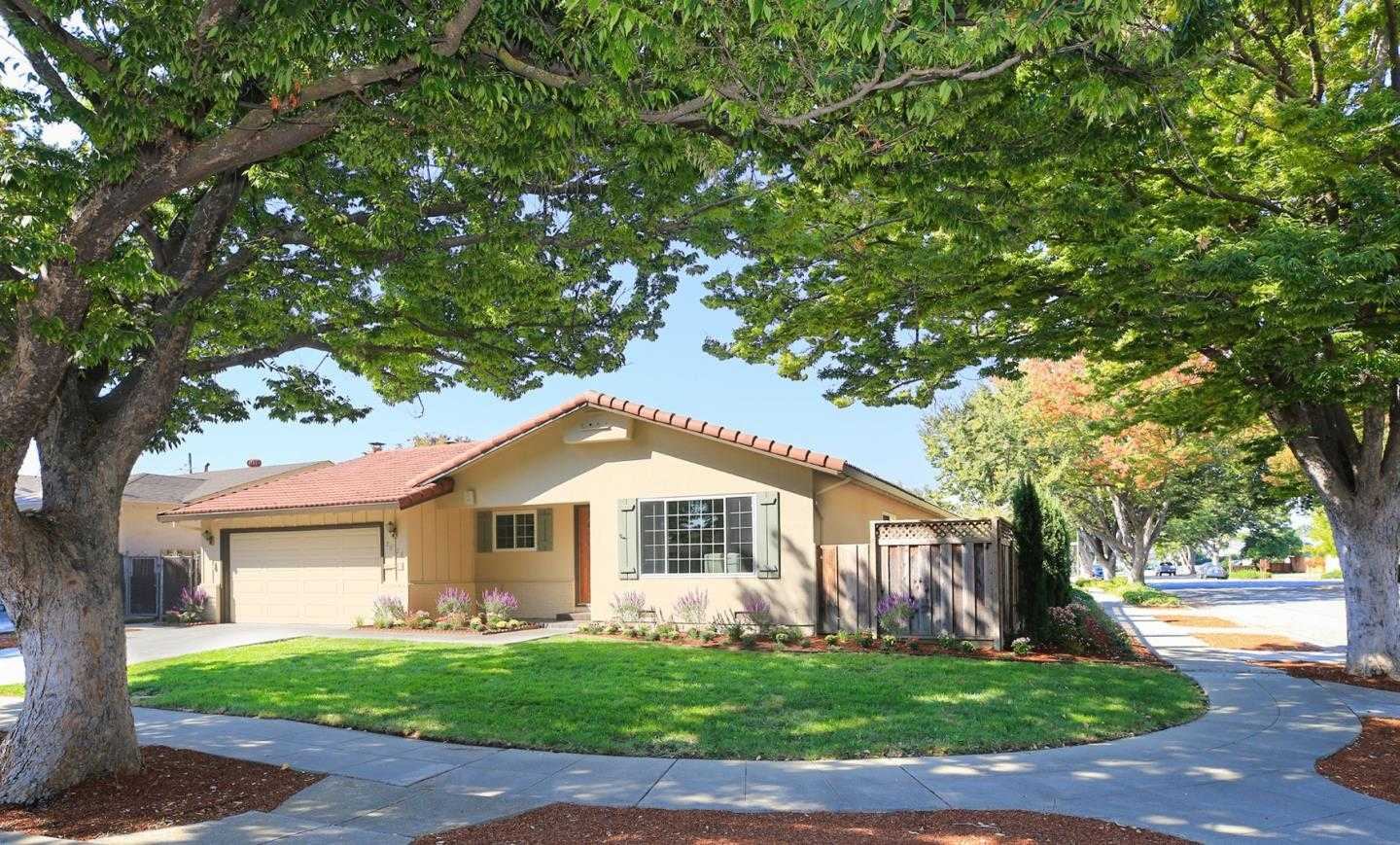 $1,250,000 - 4Br/2Ba -  for Sale in Campbell