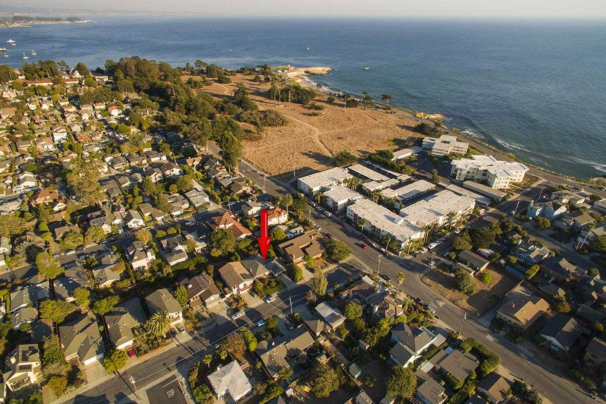 $1,395,000 - 3Br/2Ba -  for Sale in Santa Cruz