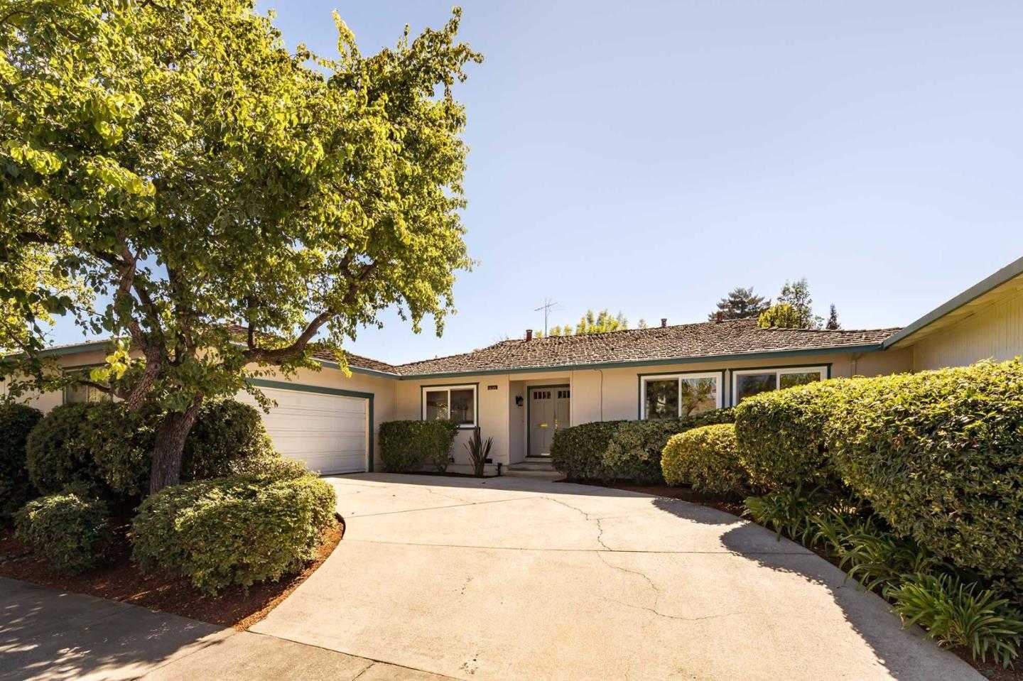 $1,698,000 - 3Br/2Ba -  for Sale in Mountain View