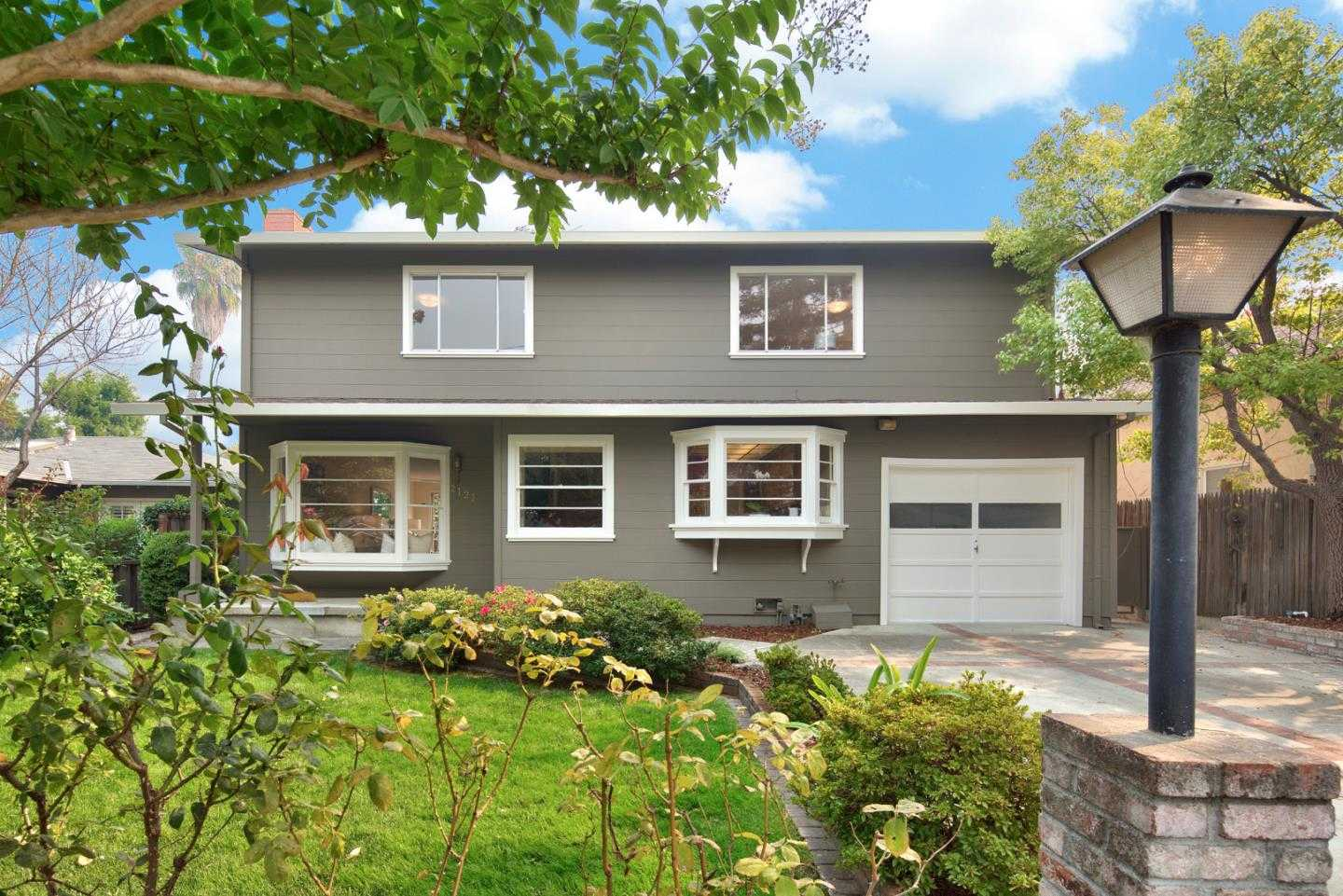 $1,995,000 - 4Br/2Ba -  for Sale in Menlo Park