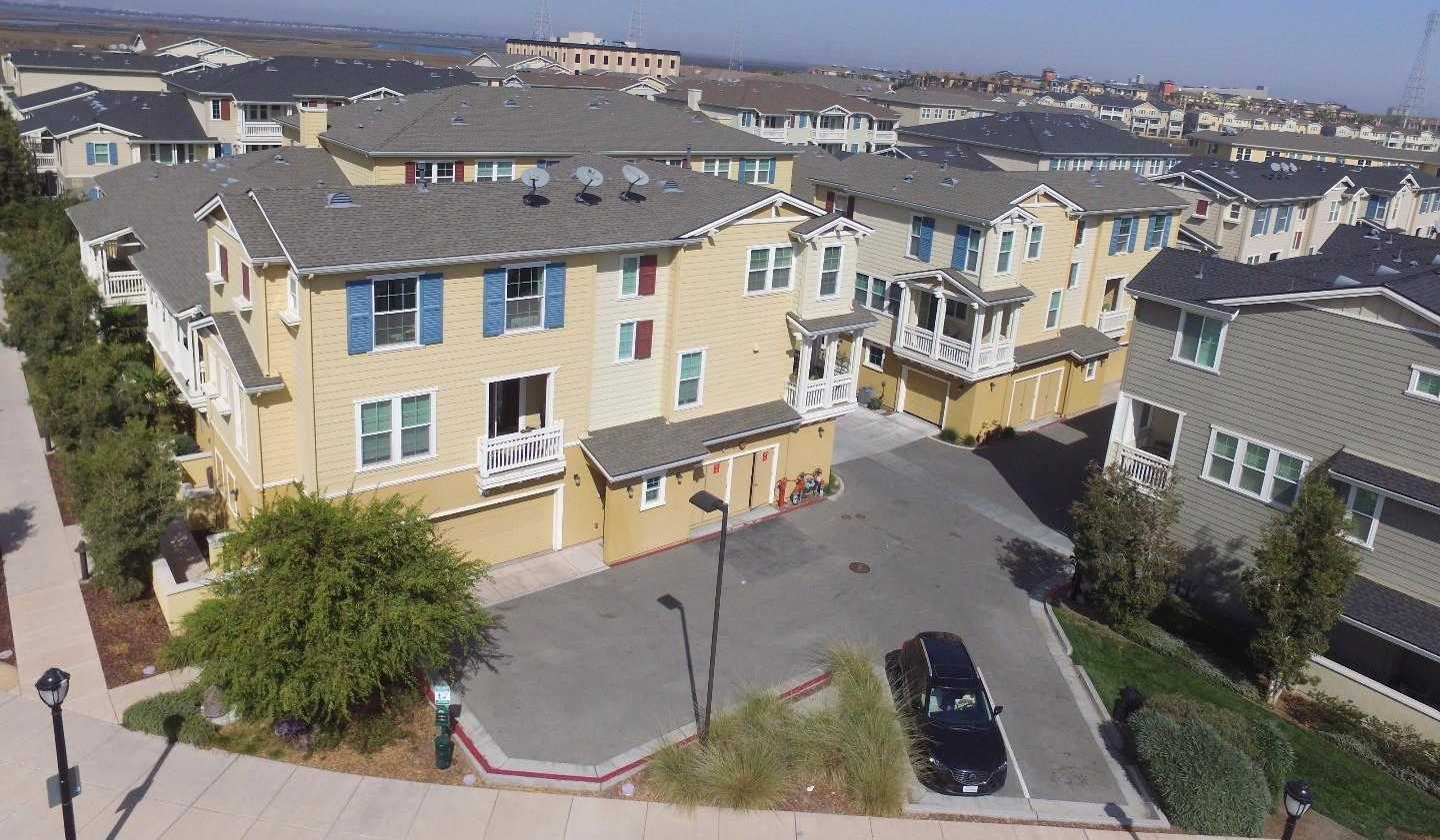 $1,349,900 - 3Br/3Ba -  for Sale in Redwood City