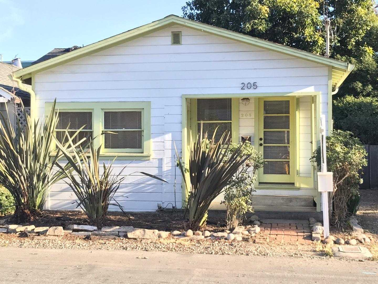 $899,000 - 2Br/1Ba -  for Sale in Capitola