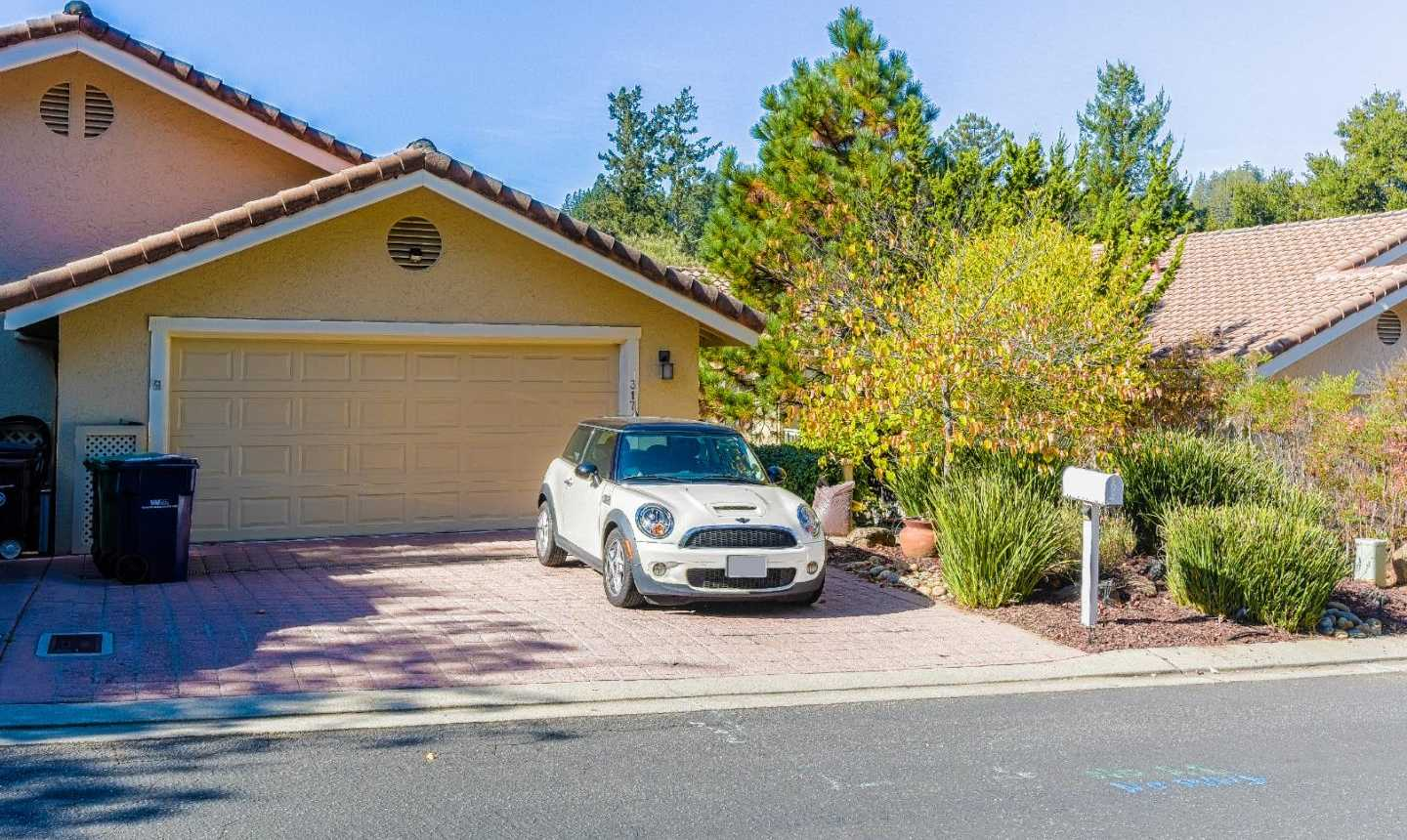 $769,000 - 3Br/3Ba -  for Sale in Scotts Valley